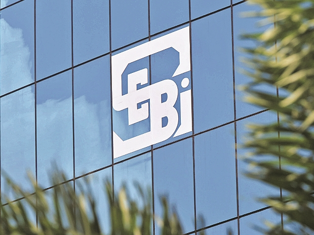 SEBI: CLARIFIES ON CHANGE IN CONTROL BY TRANSFER/TRANSMISSION OF SHAREHOLDINGS FOR MARKET INTERMEDIARIES